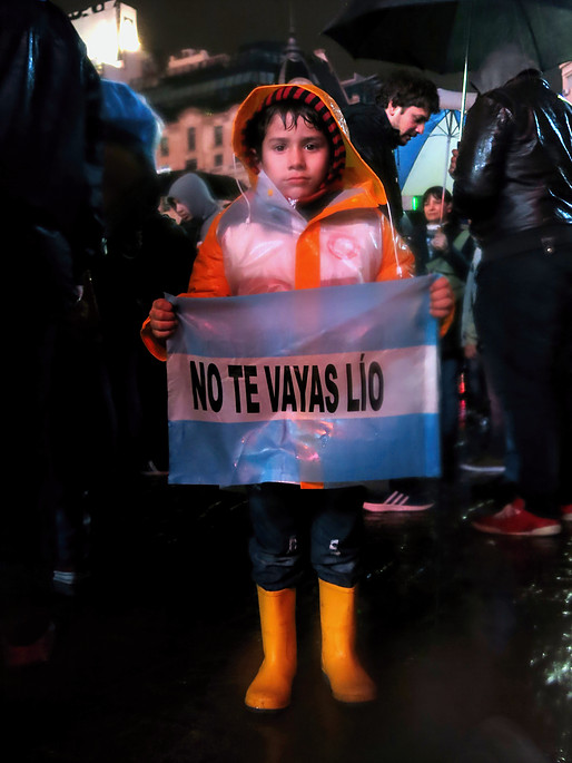 A reação ao anúncio de Messi foi imediata: os argentinos foram às ruas. Foto por: Sara Abdo