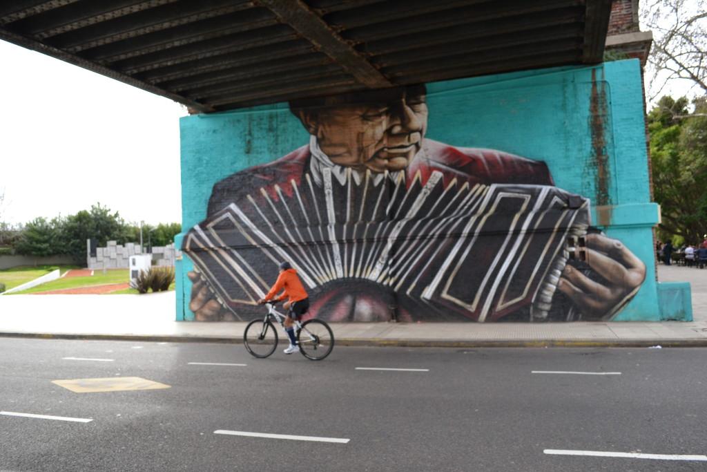 Mural pintado por Alfredo Segatori. Foto por: Larissa Bezerra