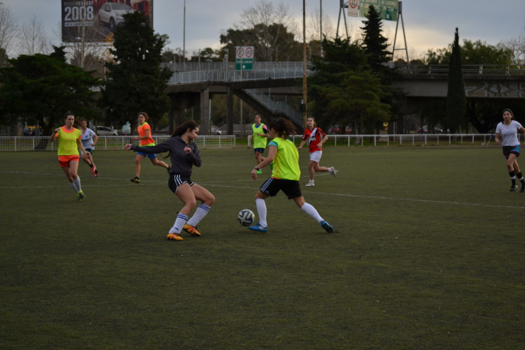 Treino da equipe da UBA: meninas treinam apenas três vezes por semana. Foto por: Larissa Bezerra
