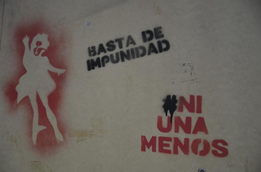 Protestos contra os feminicídios. Foto por: Carolina Piscina