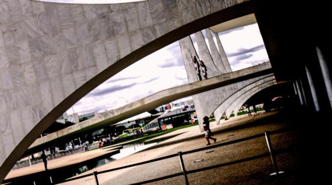 Brasília, O Olimpo Do Jornalismo Político